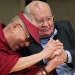 Далай-лама XIV и М. С. Горбачев