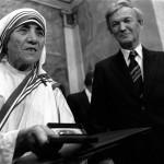 Мать Тереза во время вручения Нобелевской Премии Мира, 1979 г.