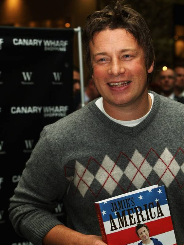 jamie oliver accent and dialect Mockney (a portmanteau of mock and cockney) is an affected accent and form of speech in imitation of cockney or working-class london speech, or a person with such an accent a stereotypical mockney speaker comes from an upper- middle-class background.